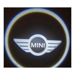 LUZ CORTESIA PUERTAS MINI ( logo vehiculo)